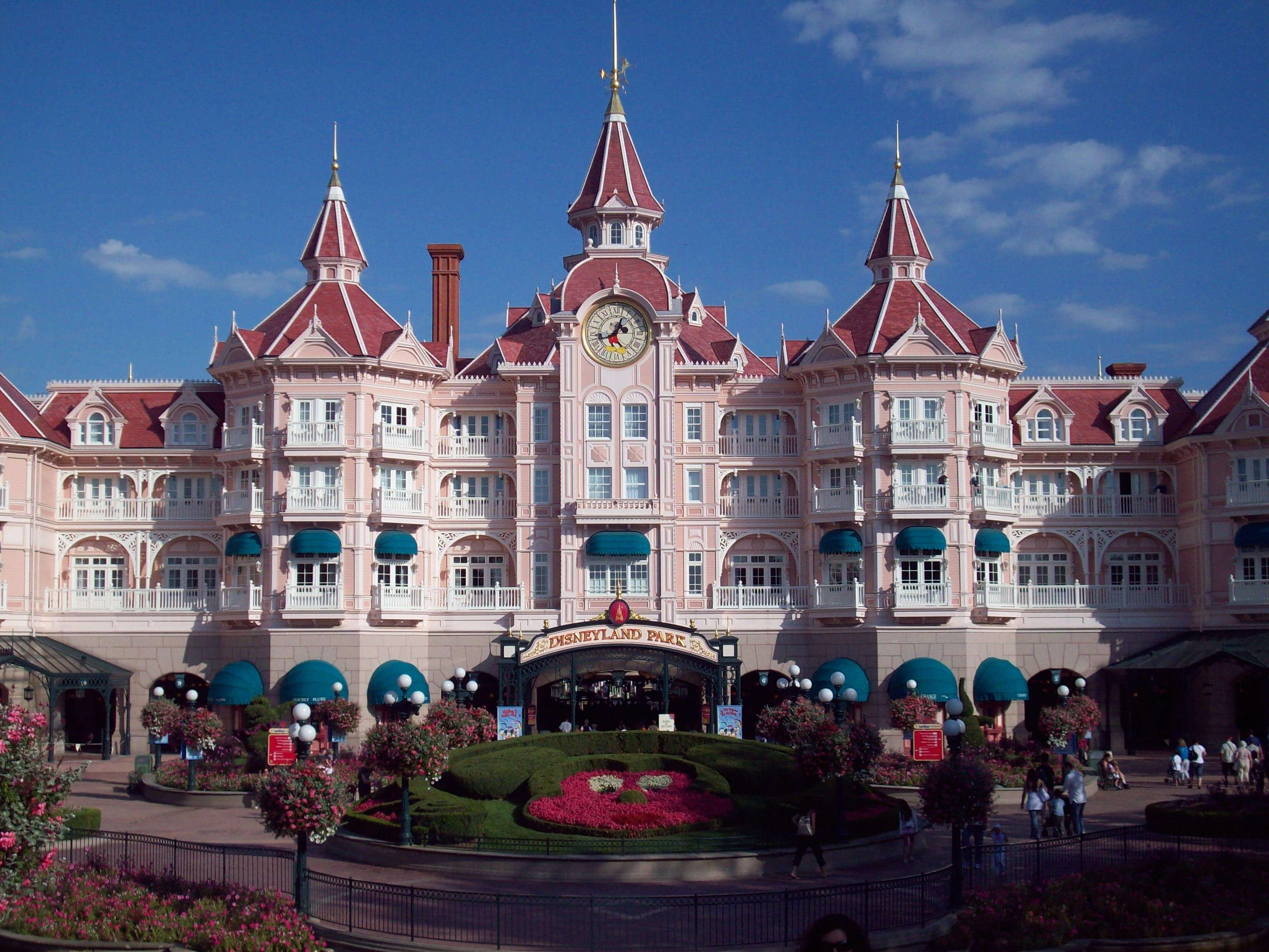 Disneyland Resort Paris Case Study